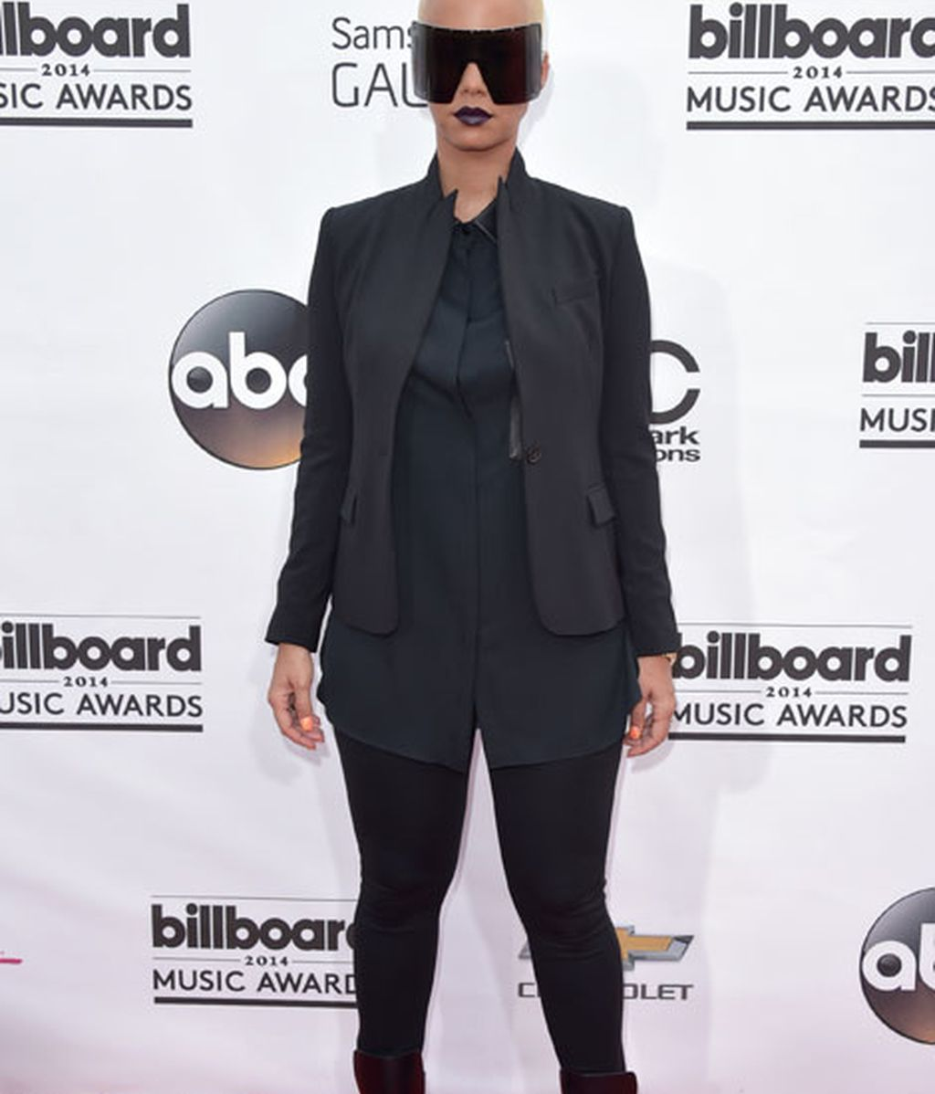 Amber Rose con 'total look' negro
