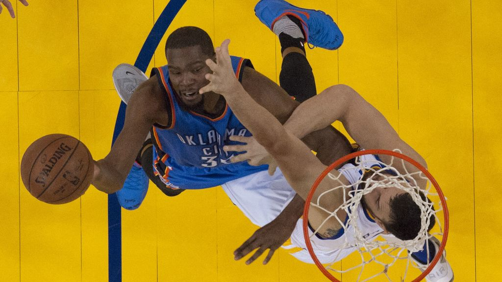 El Oklahoma City Thunder contra el Golden State Warriors