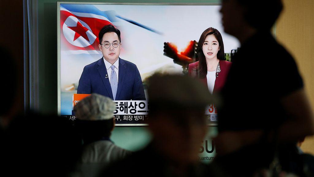 Corea del Norte lanza tres misiles en el mar de Japón