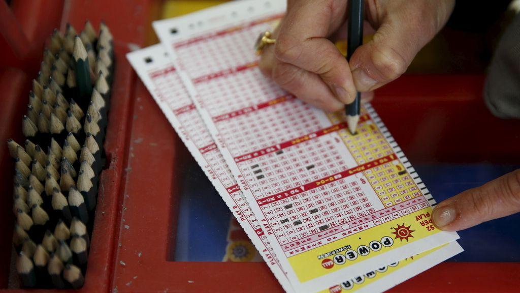 Asciende a casi 1.200 millones el bote de la lotería Powerball en Estados Unidos