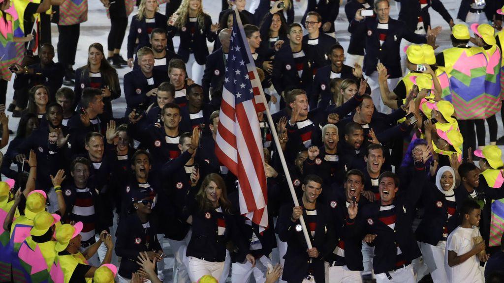 Michael Phelps, abanderado de Estados Unidos