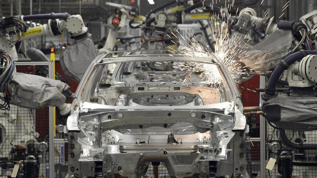 La producción industrial acelera su crecimiento hasta el 7,5% y suma cinco meses al alza