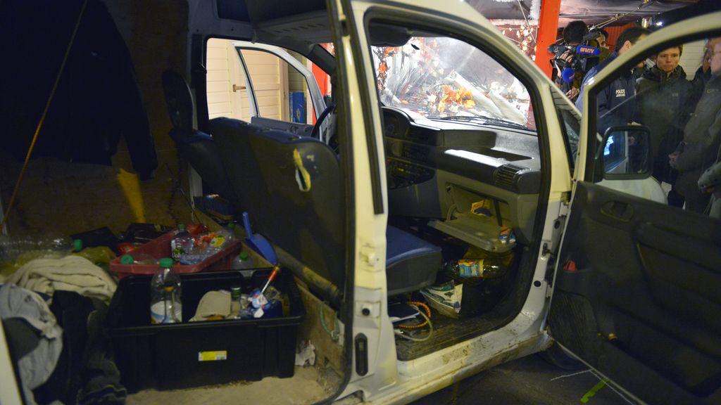 La furgoneta con la que un hombre embistió contra un mercadillo en Nantes
