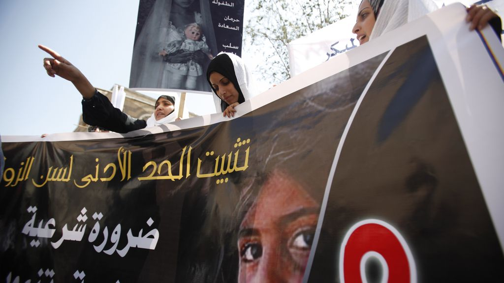 Mujeres yemeníes protestan contra los matrimonios forzosos de niñas