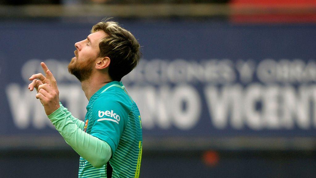 Leo Messi celebra uno de los tantos anotados ante Osasuna
