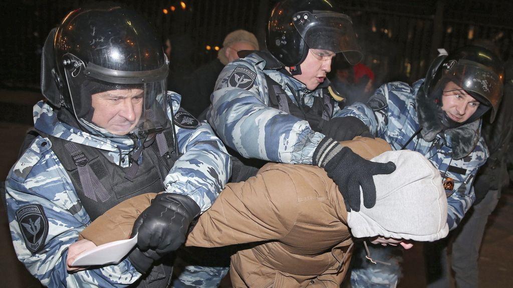 Un centenar de detenidos durante la protesta en Moscú tras la condena de Navalni