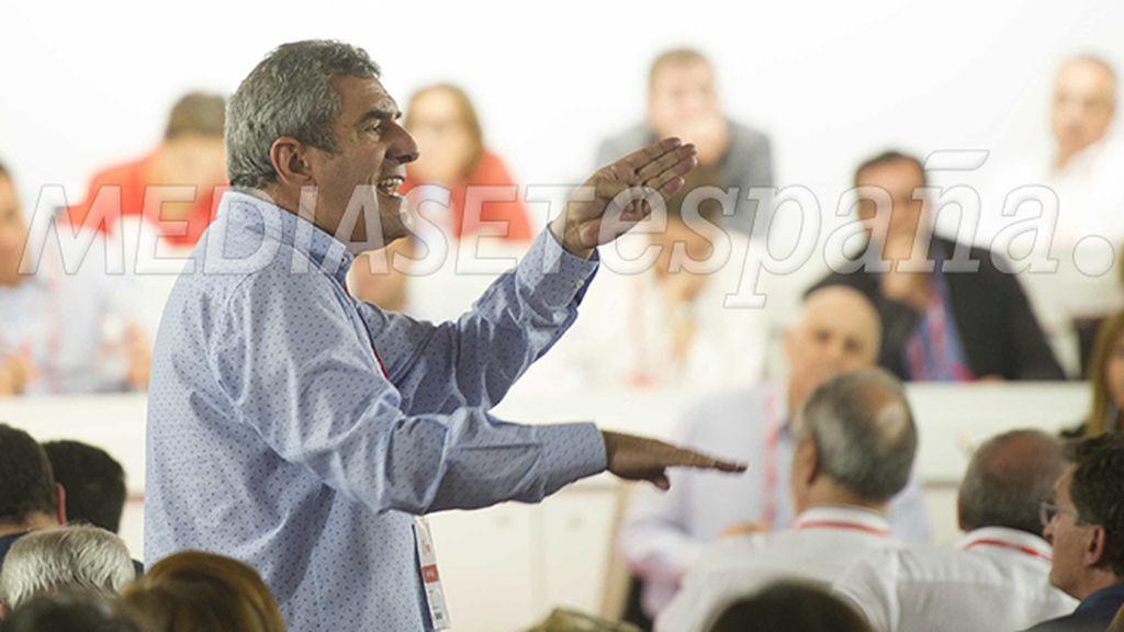 Julio Villarubia, con gestos broncos