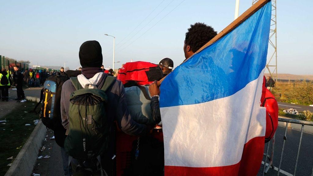 Inmigrantes en el campamento ilegal de Calais