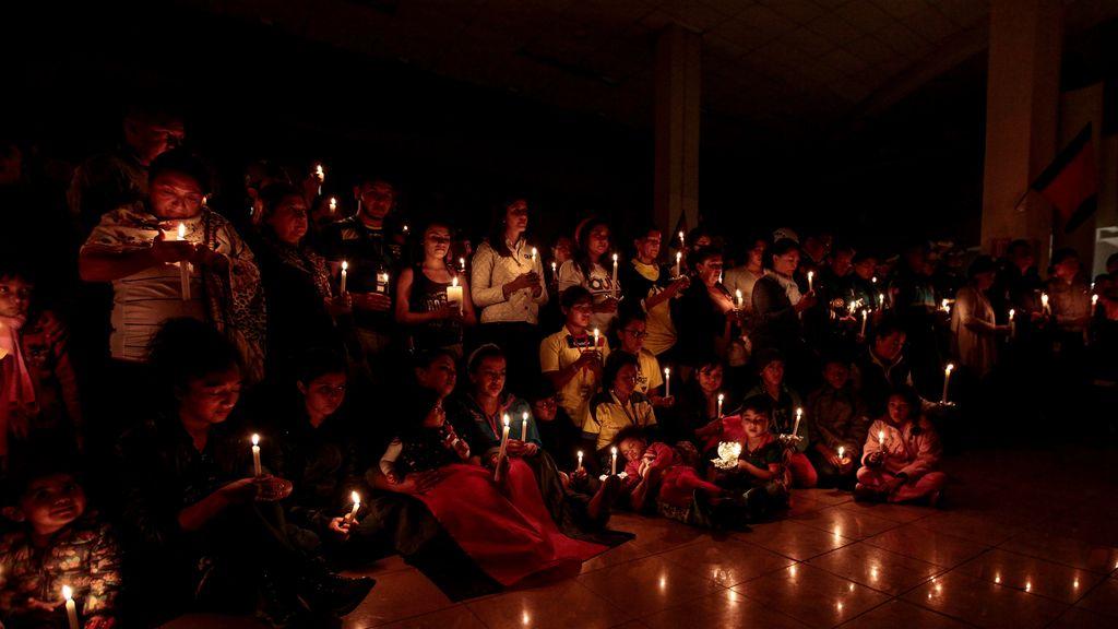 Ecuador empeñado en la reconstrucción un mes después del terremoto