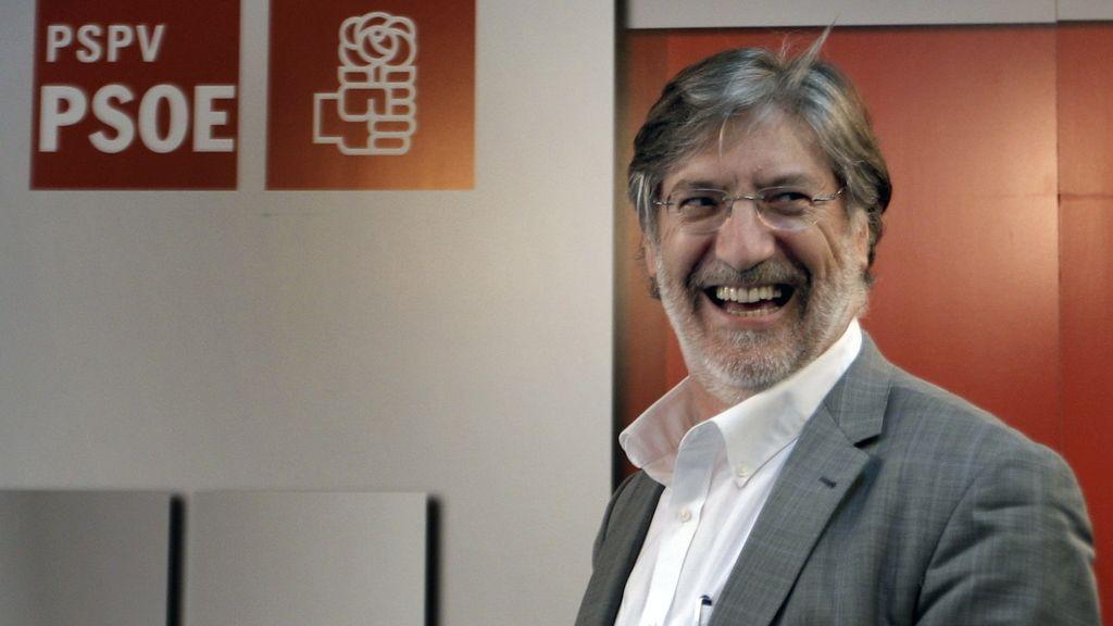 Pérez Tapias logra los avales y se convierte en candidato a la Secretaría General del PSOE