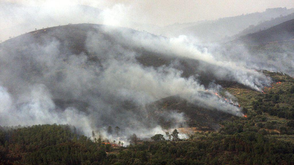 Incendio forestal en la Sierra de Gata, Cáceres, Extremadura