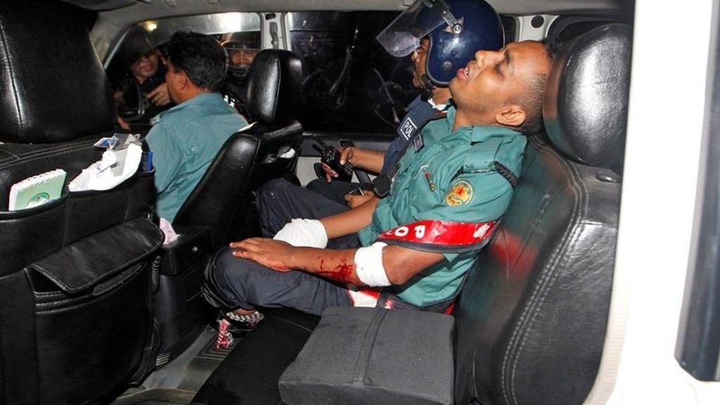 Entre los fallecidos se encuentran dos policías