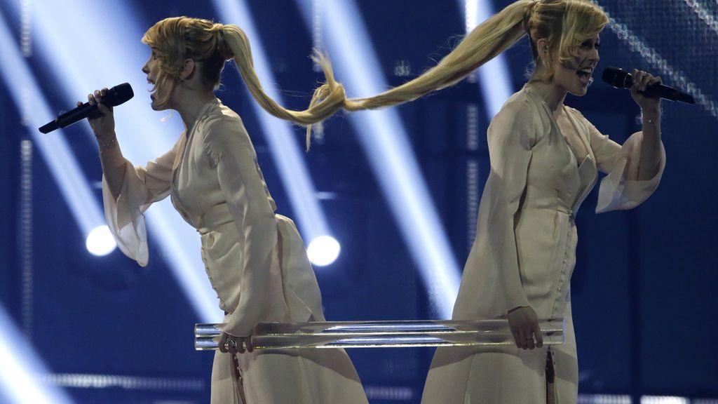 Las hermanas Tolmachevy representando a Rusia