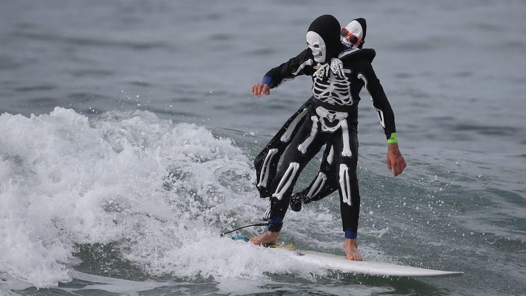 Esqueleto surfero