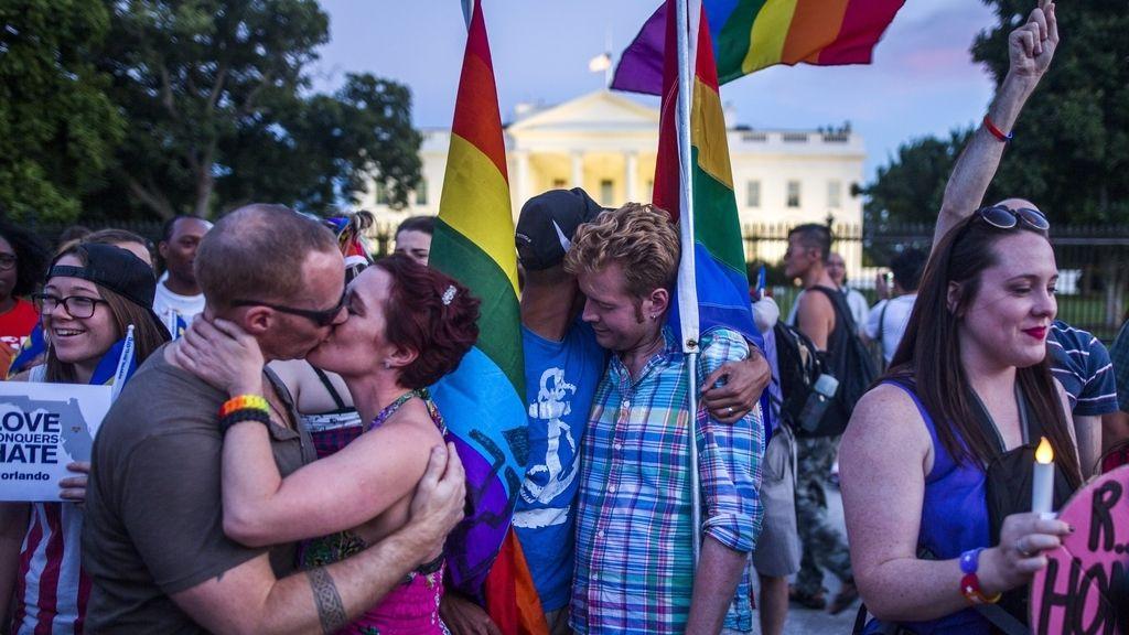 Vigilia en honor a las víctimas de la masacre de Orlando