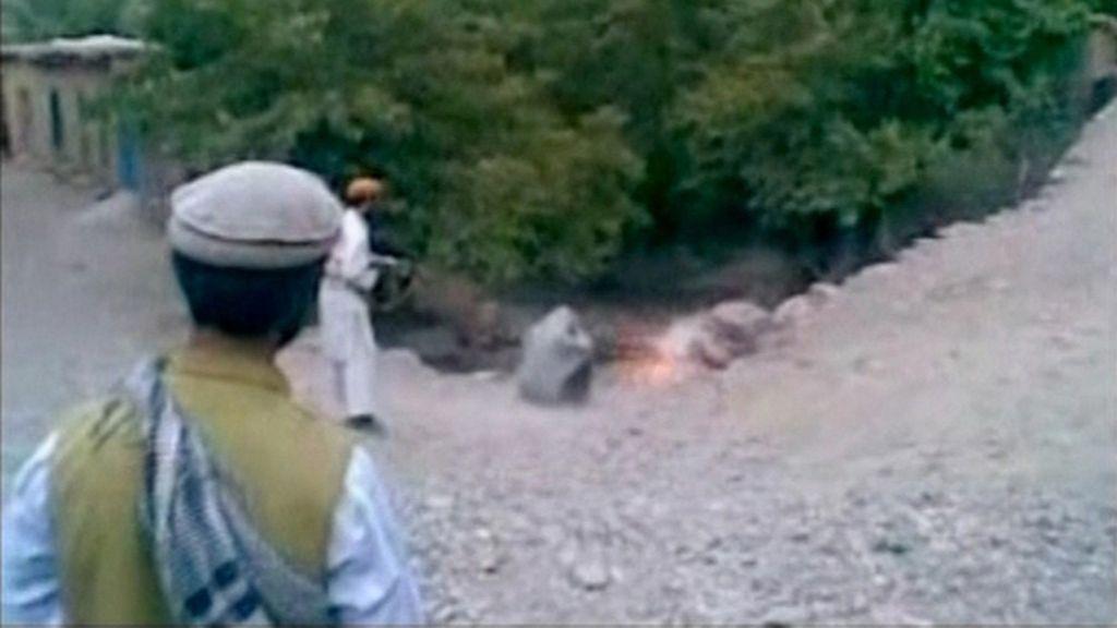 Un talibán fusila a una mujer a la que acusa de ser adúltera