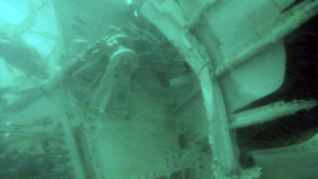 Restos del avión de Air Asia siniestrado hace días