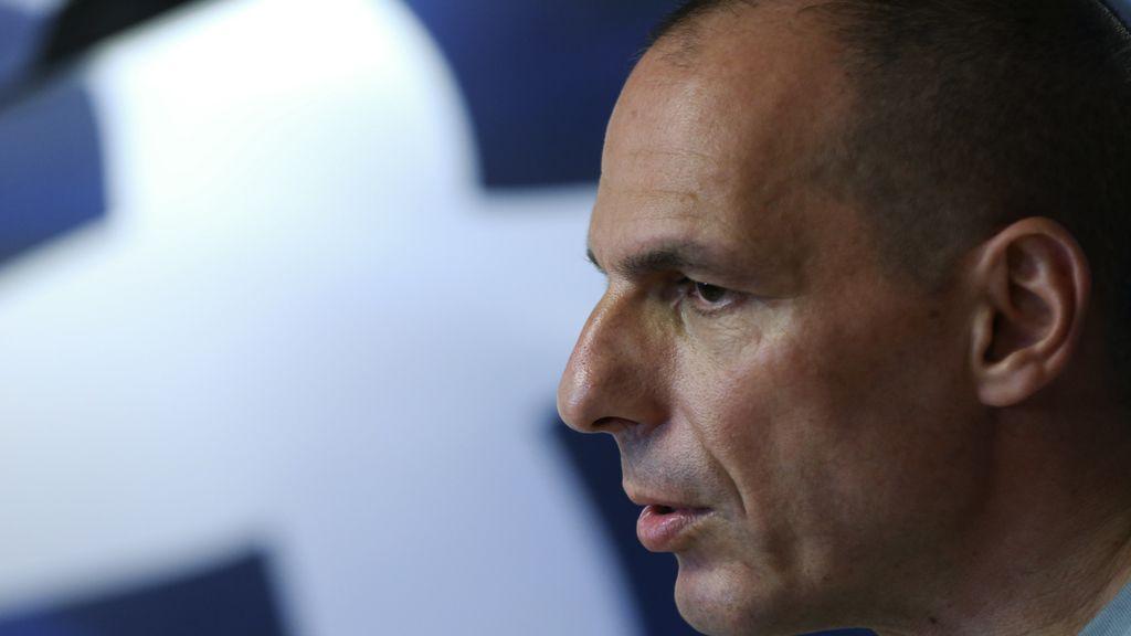 """Varoufakis dimite para """"ayudar"""" al Gobierno a alcanzar un acuerdo"""