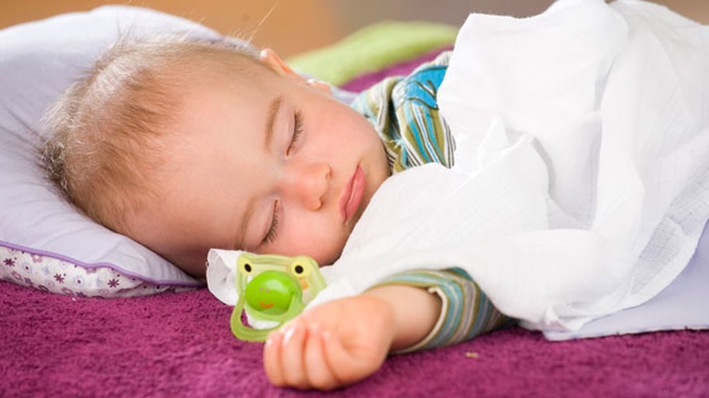 Bebé. Las seis cosas extrañas que hace el cuerpo cuando dormimos