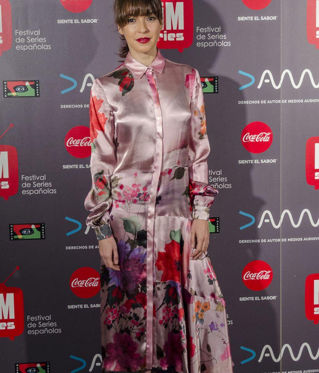 El estampado floral de Verónica Sánchez puso el toque de color