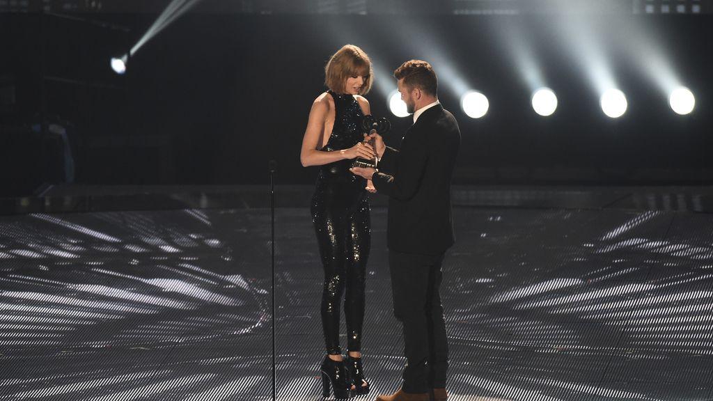Taylor Swift en los IHearRadio Music Awards