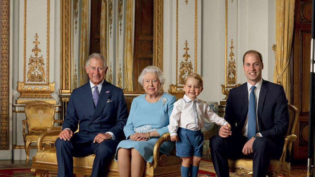 El príncipe George protagoniza su primer sello real