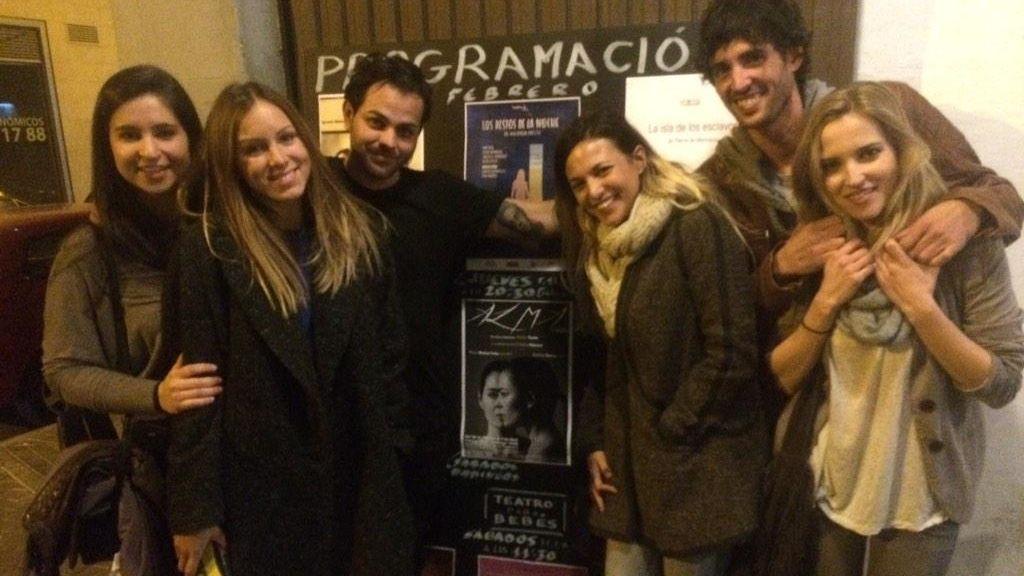 Santi y Ana compartían el gusto por el teatro. Aquí con la también actriz Elisa Mouliaá