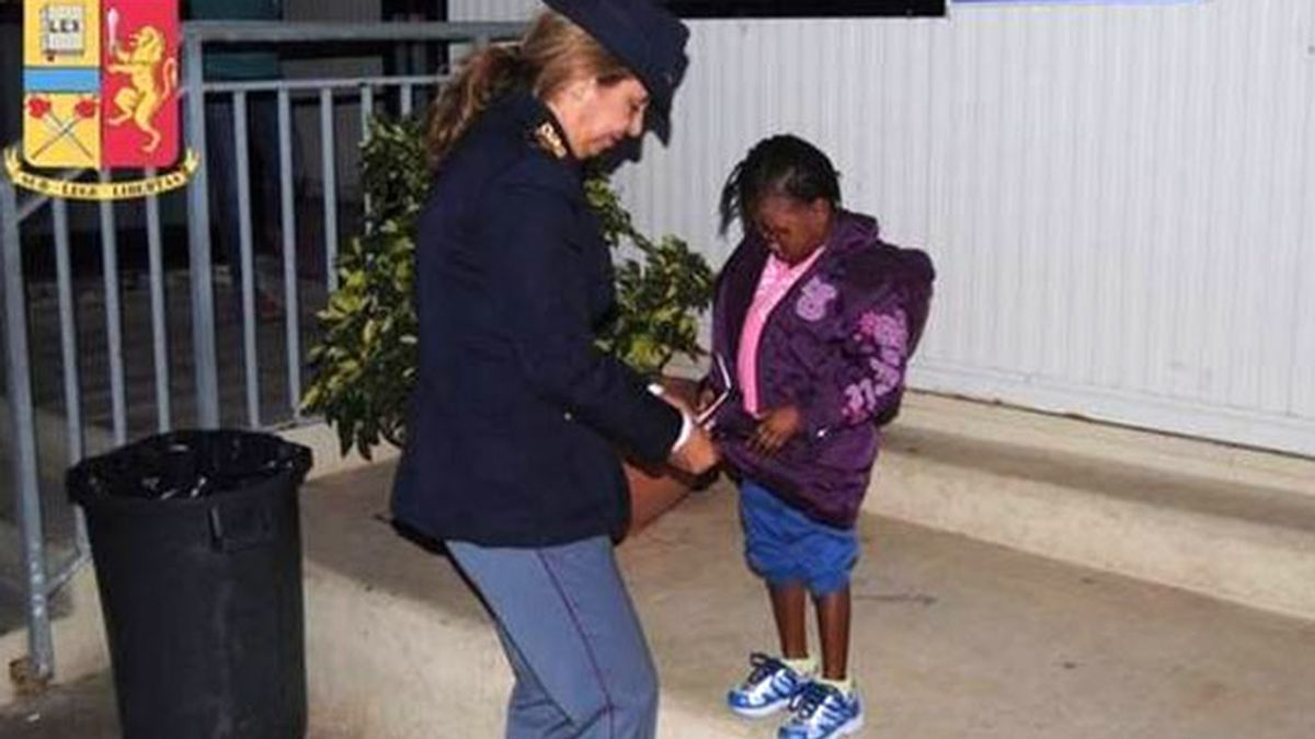 niña inmigrante Lampedusa,
