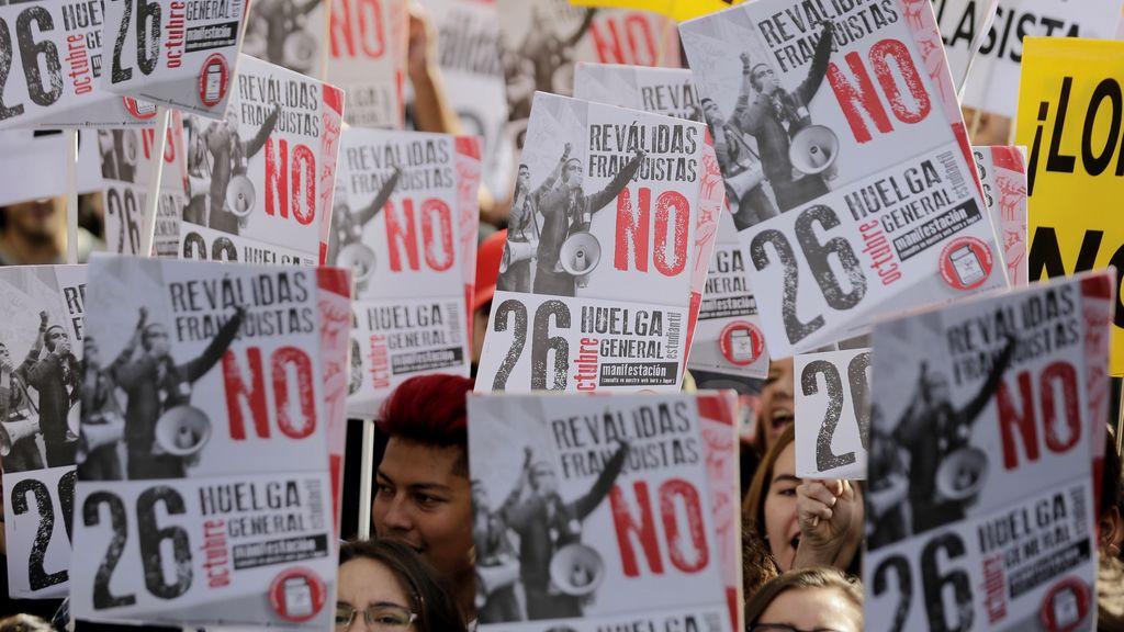 """Estudiantes y padres llaman este miércoles a vaciar las aulas contra las """"reválidas"""" en Madrid"""