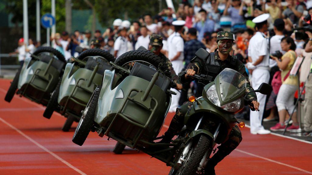 Festejos militares en Hong Kong