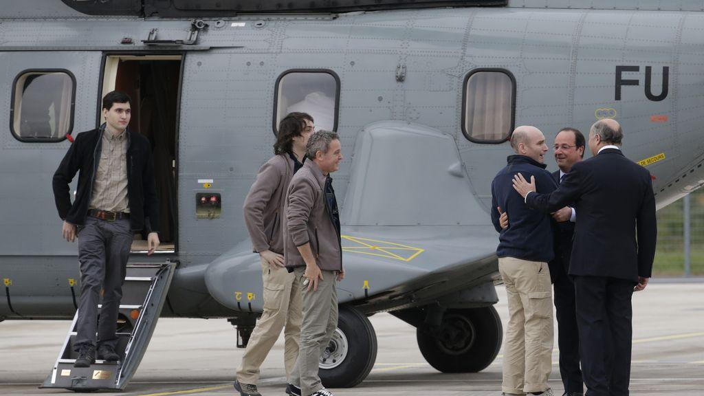 Hollande recibe a los cuatro periodistas franceses liberados