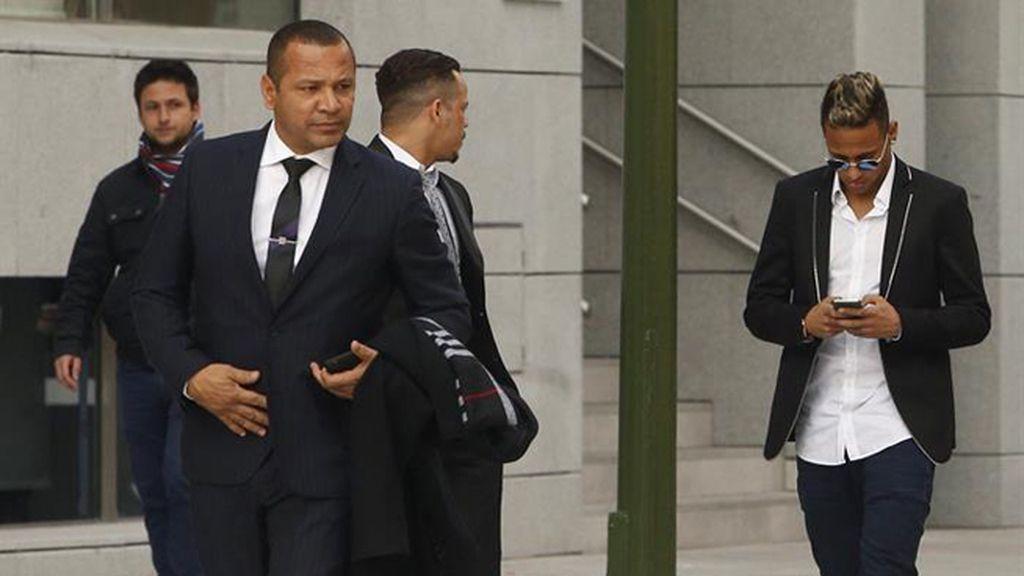 Neymar y su padre llegan a la Audiencia Nacional