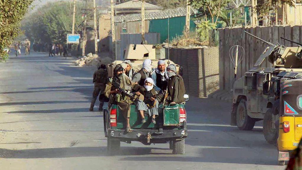 La policía afgana vigila las calles