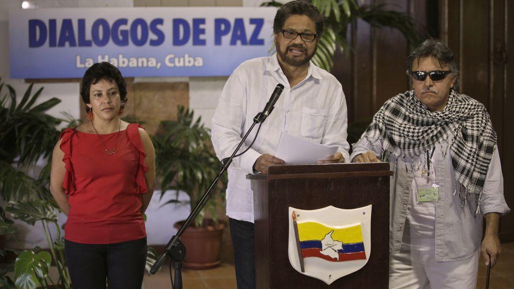 """Las FARC se comprometen a terminar con """"cualquier relación"""" con el narcotráfico"""