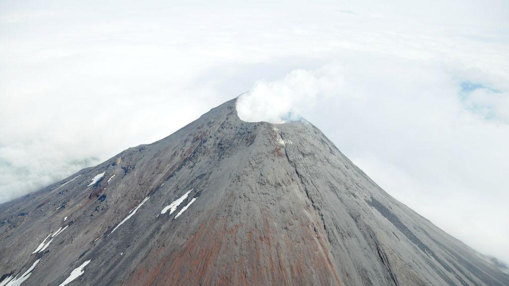 Una erupción volcánica, desde el aire