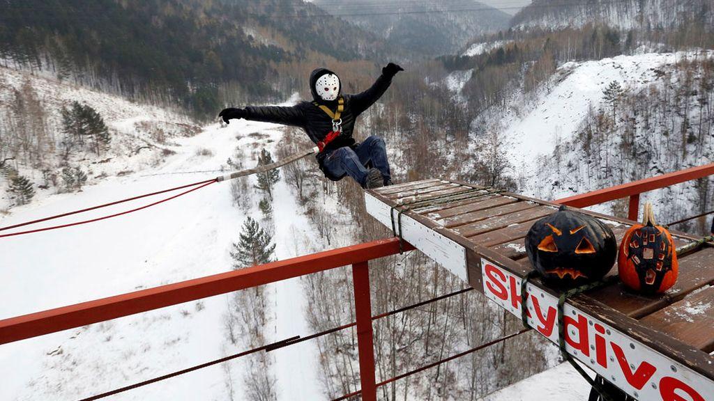 Jason salta al vacío en Rusia
