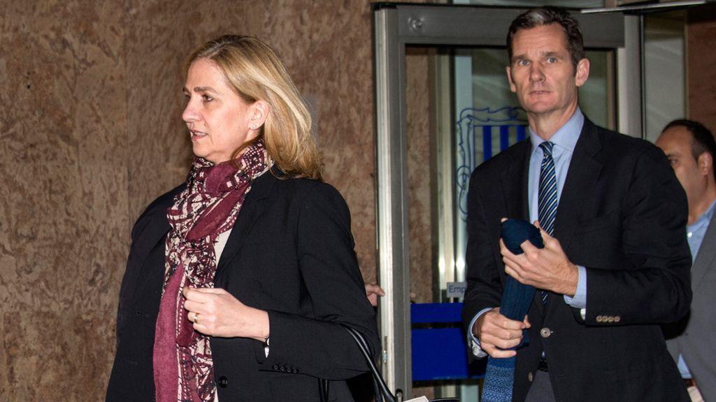 La infanta Cristina e Iñaki Urdangarín tras la primera jornada del juicio por el caso Nóos