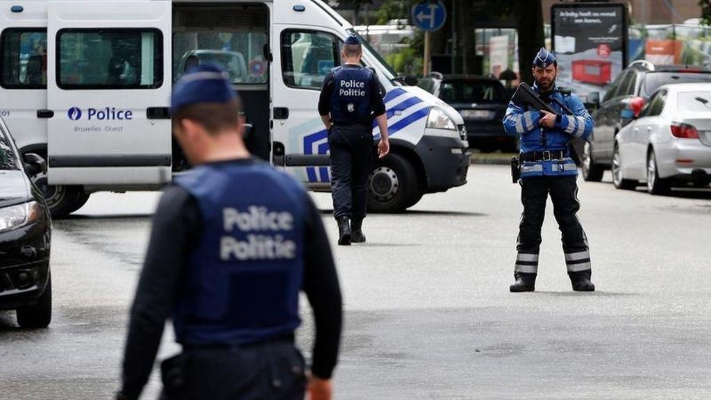La policía belga durante la operación