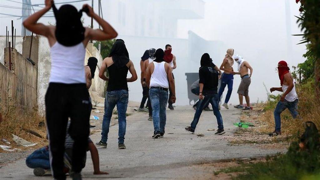 Enfrentamientos entre el ejército israelí y palestinos en la ciudad cisjordana de Dura