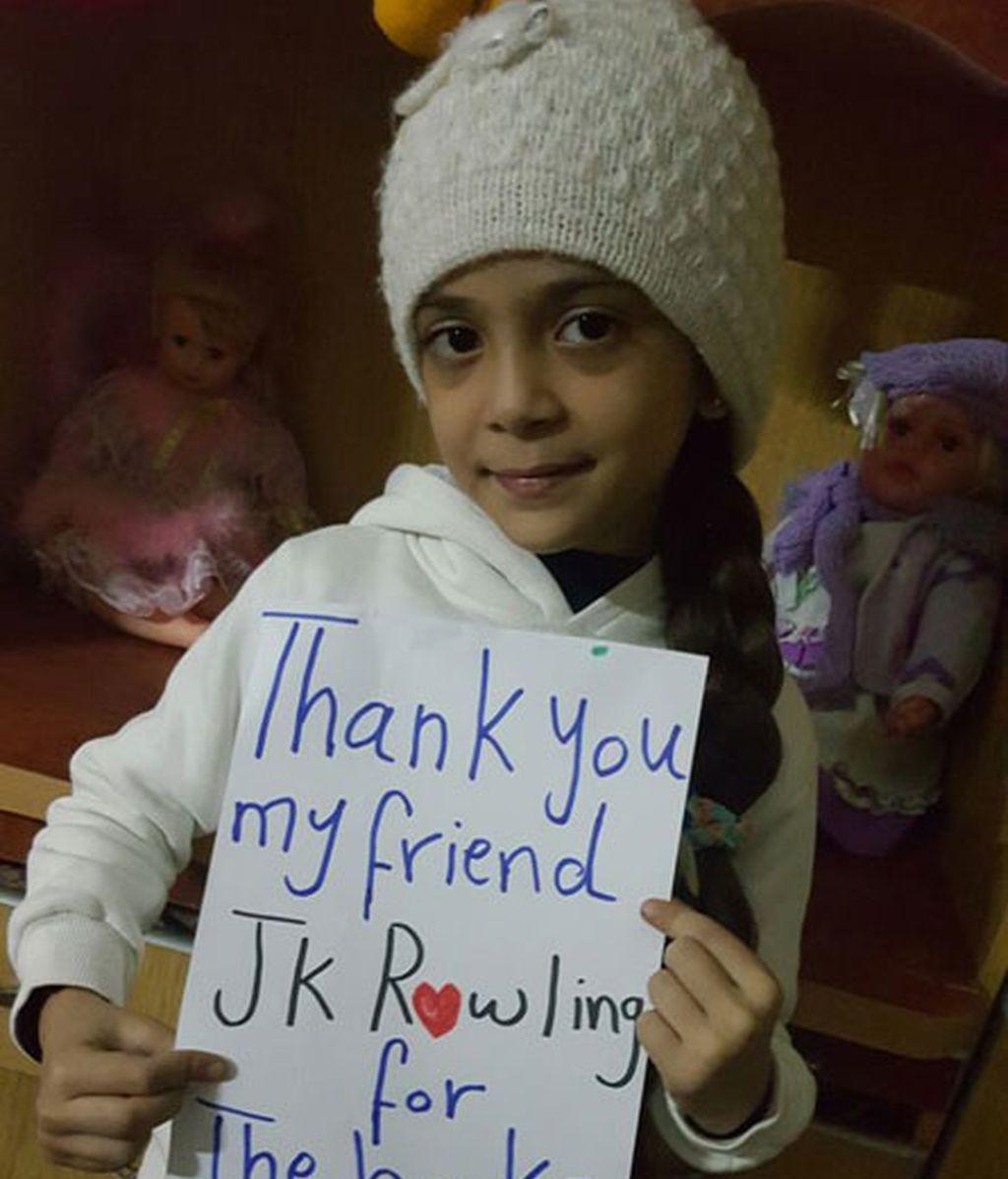 Una niña siria agradece desde Alepo a J.K. Rowling permitirla leer sus libros