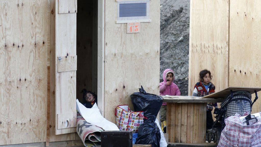 Niños en el campamento de Calais