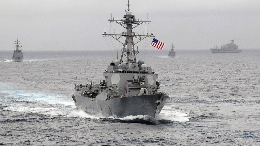 """China emite una advertencia a un barco de EEUU tras entrar """"ilegalmente"""" en sus aguas"""
