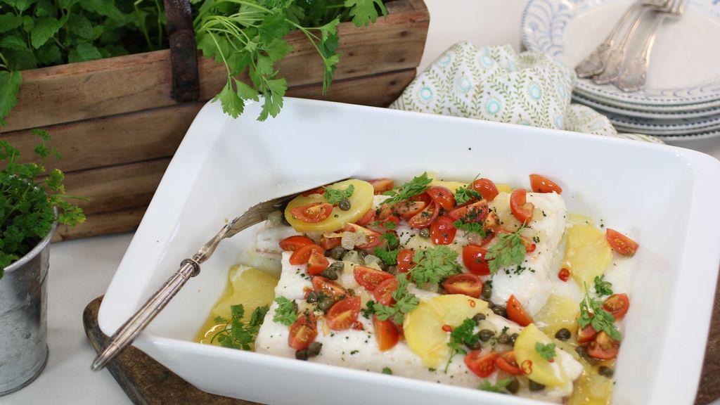 Merluza con alcaparras, tomate y limón