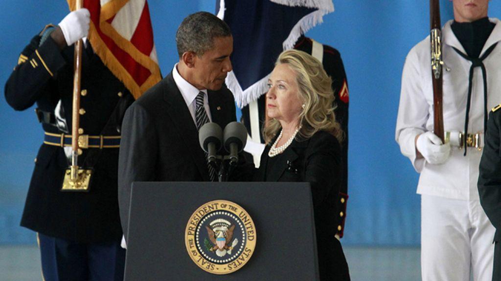FOTO ARCHIVO: Obama con Hillary Clinton