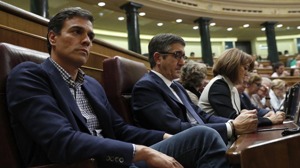 Pedro Sánchez durante el discurso de Mariano Rajoy