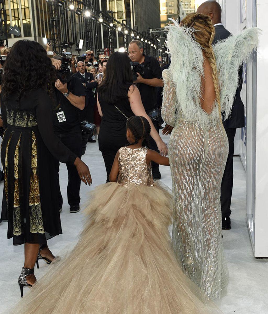 Beyoncé asisitió acompañada de la pequeña Blue Ivy