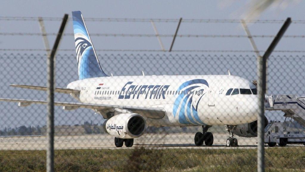 Desaparece de los sistemas de radar un avión de Egypt Air procedente de París