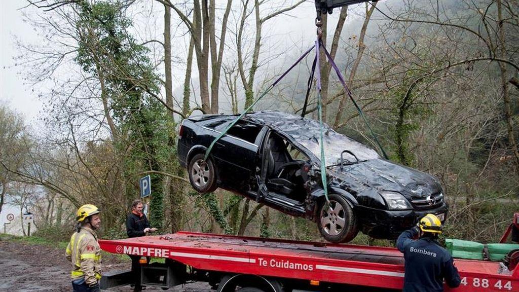 Así quedó el coche en el que murieron tres personas, entre ellas una bebé