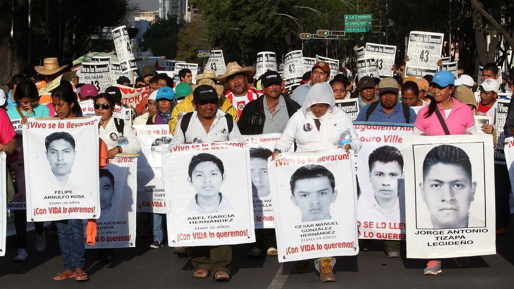 Manifestación por los estudiantes desaparecidos en México