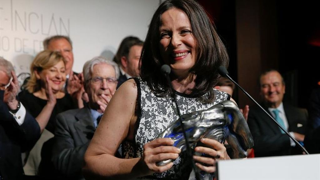 Aitana Sánchez-Gijón recibe el Premio Valle-Inclán